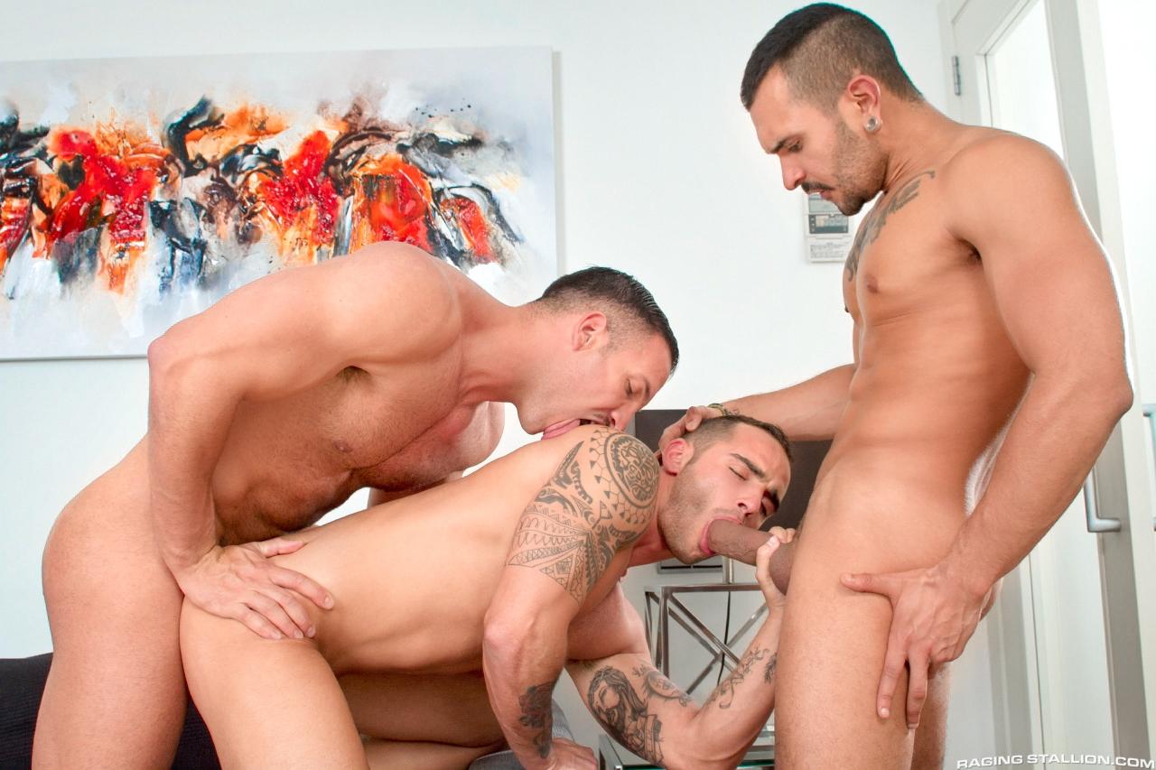 Τρίο γκέι πορνό