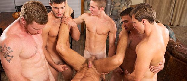 """Photo of [Sean Cody] David, Tanner, Bryce, Coleman, Noel y Andy orgía y gang bang en """"Mountain Getaway: Day 4"""""""