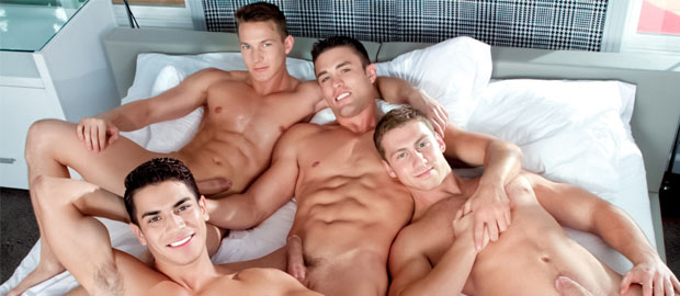 "Photo of [Falcon Studios] Ryan Rose, Lance Luciano, Darius Ferdynand & Connor Maguire se lo montan en ""Plays Together"""