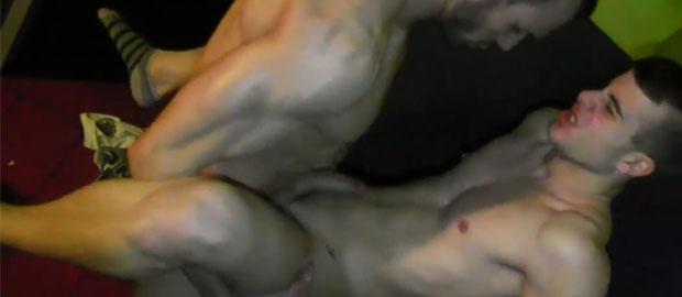 Photo of [Locura Gay] Gabriel Vanderloo empotra a Allen King en los baños del Boyberry de Madrid