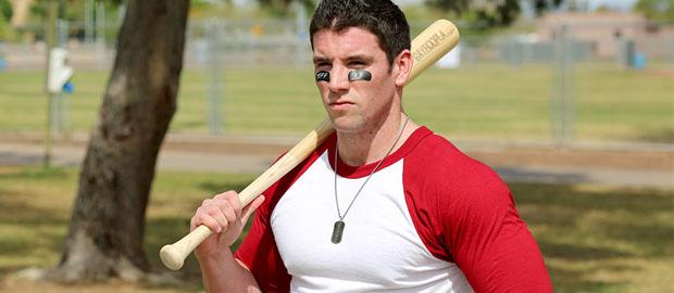 Photo of [GayHoopla] El potente jugador de béisbol Jeff Niels se pajea ante la cámara y mucho más