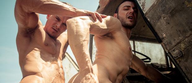 "Photo of [MEN] Paddy O'Brian se folla a Gabriel Vanderloo en ""Prisoner Of War, Part 3"""