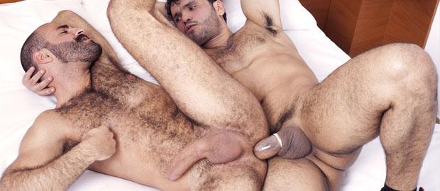 Photo of [Fucker Mate] Jean Franko le da un buen desayuno a Paco en una bestial follada entre machos
