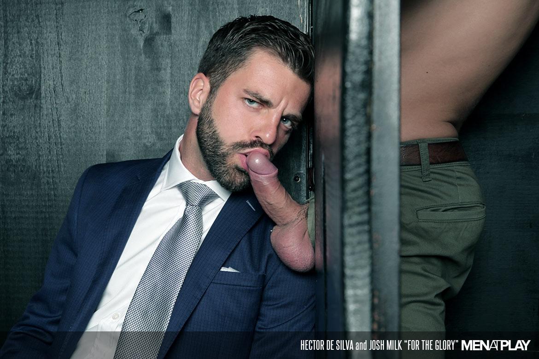 Photo of [Men At Play] Hector de Silva le mete rabo a Josh Milk en el baño de chicos