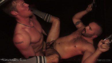 Photo of Aaron Block le preña el culo a Cash Logan con una buena inyección de lefa | Tim Fuck | Treasure Island Media