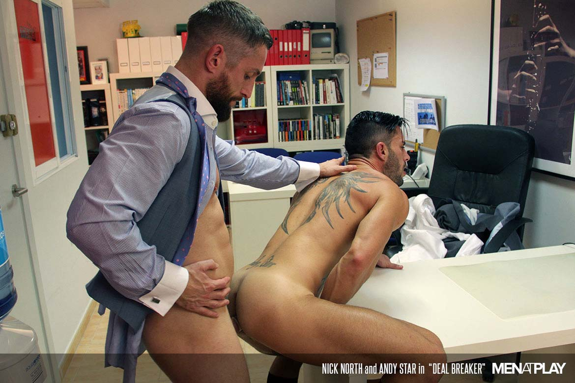 "Photo of Nick North penetra el culazo de Andy Star en ""Deal Breaker"" 