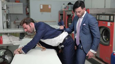 "Photo of Andy Star se folla a Dario Beck en la tintorería en ""Pure Suit Revival"" 