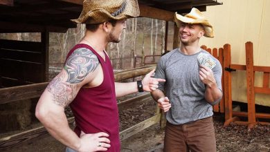 Photo of The Ranch Hand 3: John Magnum se folla al chulazo Allen Lucas en la casa del capataz | MEN