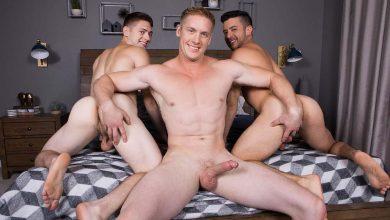Photo of Jax, Manny y Lane se hacen un círculo de mamadas y un trenecito sin condones | Sean Cody