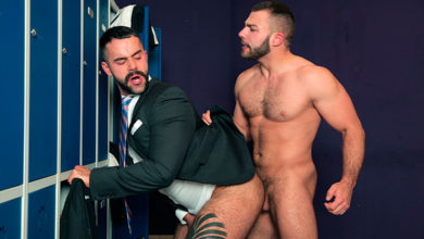 "Photo of Diego Reyes se folla al míster Teddy Torres en los vestuarios en ""Take a Shot"" 