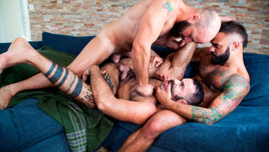 Photo of Drake Masters, Teddy Torres y Max Duro tres machos de pro follan y se deslechan como cerdos | Raging Stallion