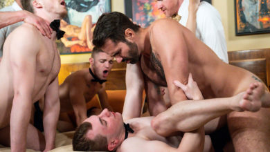 Photo of Los daddies machotes Dani Robles, Myles Landon, Dolf Deitrich y Legrand Wolf se follan sin condón los tiernos culitos prietos de Tom Bentley, Blake Ellis, Austin Young y Cole Blue | Men At Play