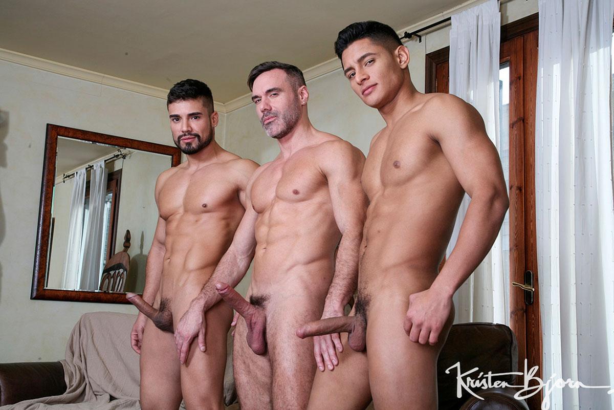 Amigos Masturbandose Juntos 3 amigos: manuel skye, dann grey y santiago rodriguez follan